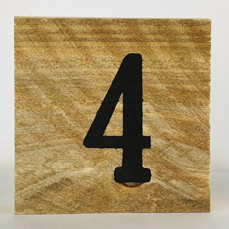 Houten cijfers 4