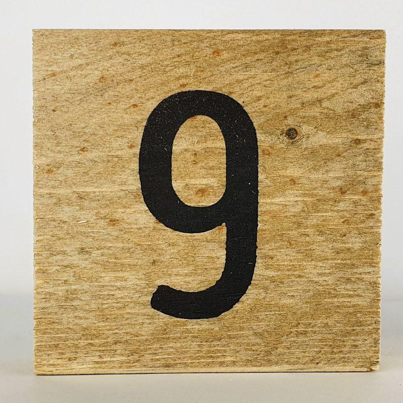 Houten cijfers 9