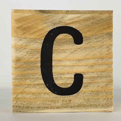 Houten letters C