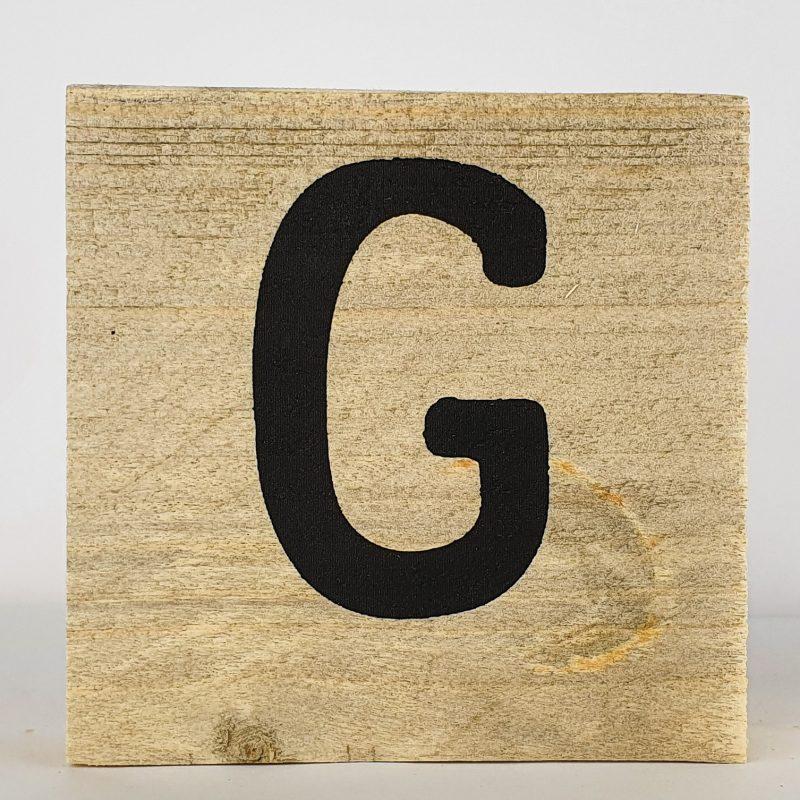 Houten letters G