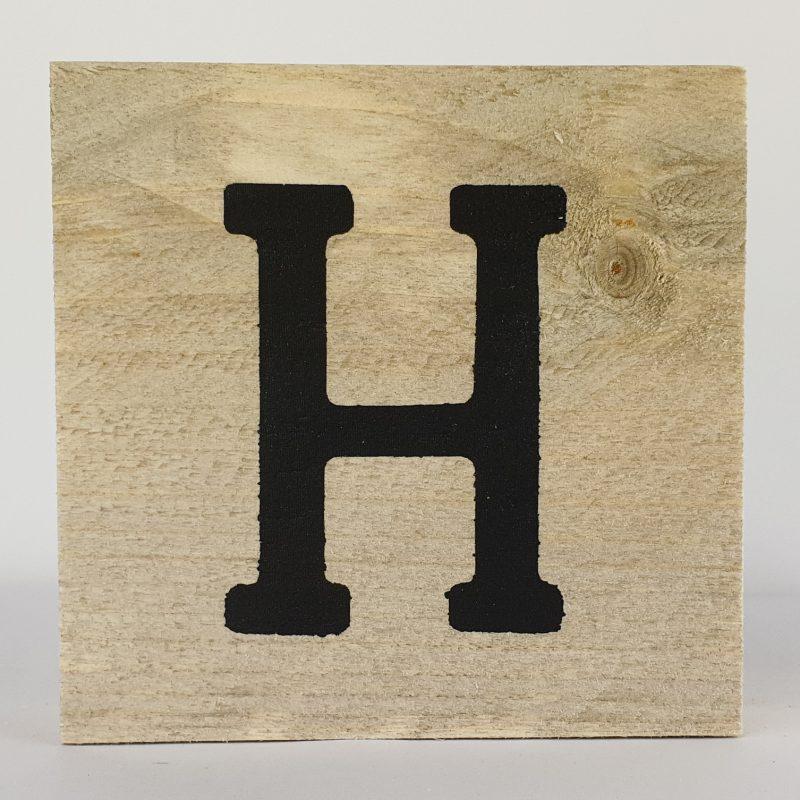 Houten letters H