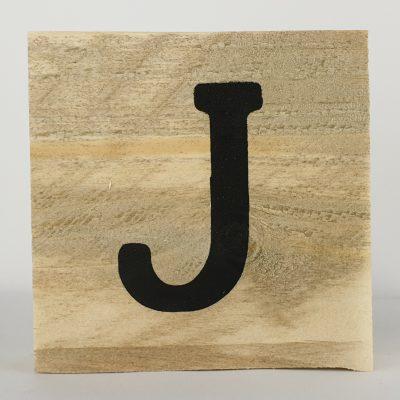 Houten letters J
