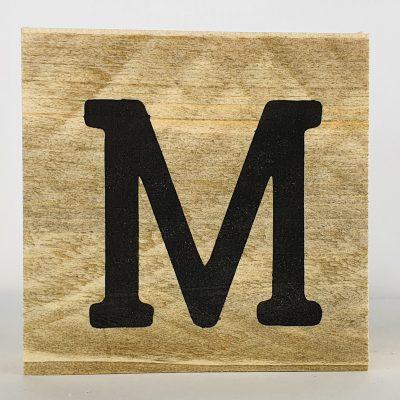 Houten letters M