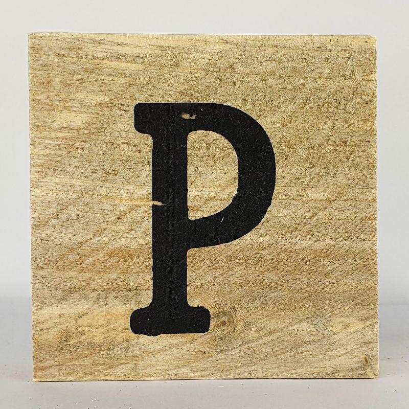 Houten letters P