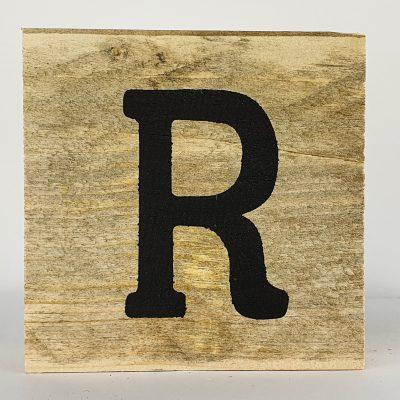 Houten letters R
