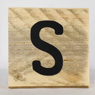 Houten letters S