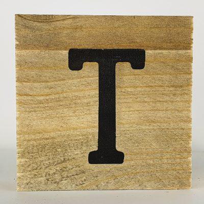 Houten letters T