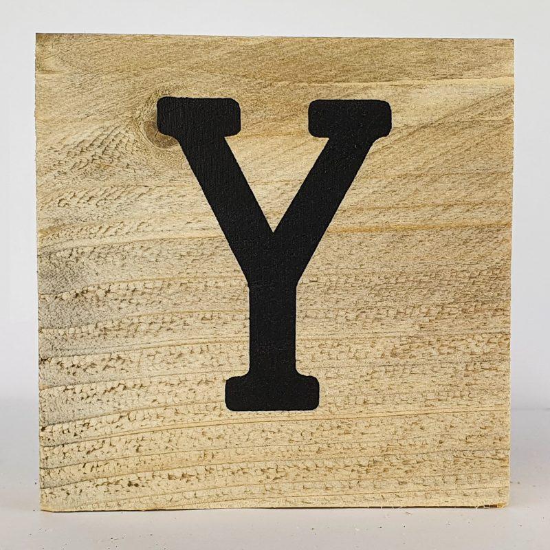 Houten letters Y