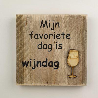 Tekstbord - wijn dag